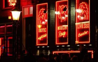 סיור רגלי ברובע החלונות האדומים