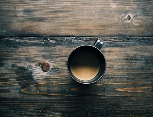 מלא בתי-קפה באמסטרדם